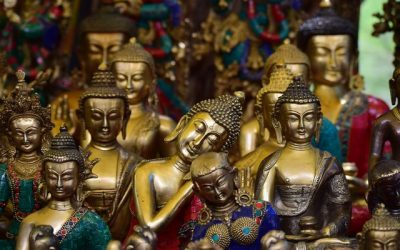 What's the Difference Between Theravada and Mahayana?