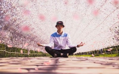 Starting a Meditation Practice: Group or Solo?